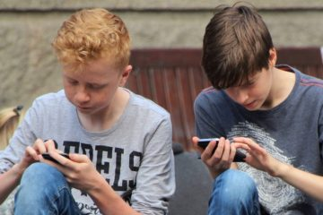 children affected by smart phone syndrome